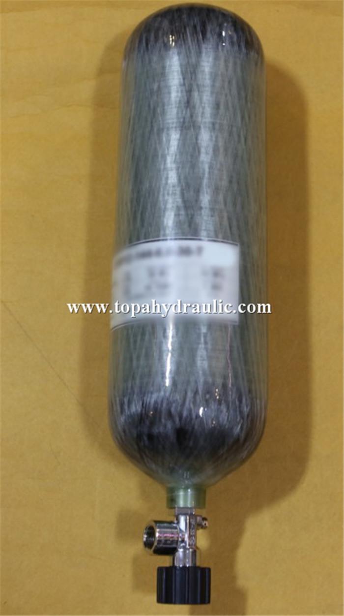 Threaded seamless gas bottle regulator